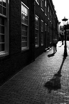 Heading towards Twijnstraat - Utrecht von Thomas van Galen