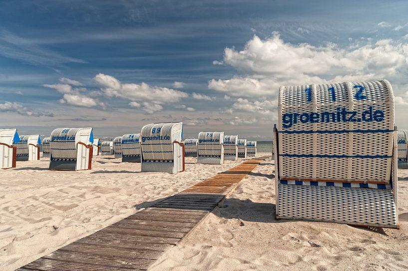 Beach chairs van Dirk Thoms