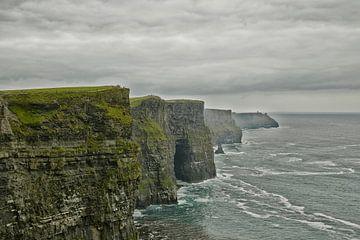 Die Klippen von Moher und Burren Irland. Epische irische Landschaft Meereslandschaft von Tjeerd Kruse