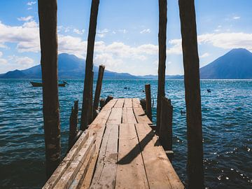 Lago Atitlán (Meer van Atitlan) pier in Guatemala van Michiel Dros