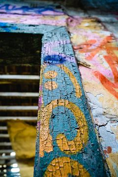 Türrahmen in Grafitti von Deborah Zannini