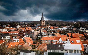 Domburg ligt onder een dreigende onweerslucht von Fotografie Jeronimo
