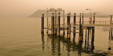 Aanlegsteiger van Stresa aan het Lago Maggiore - Italie  von Jasper van de Gein Photography