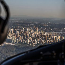 Vancouver vanuit een vliegtuig van Irene Hoekstra