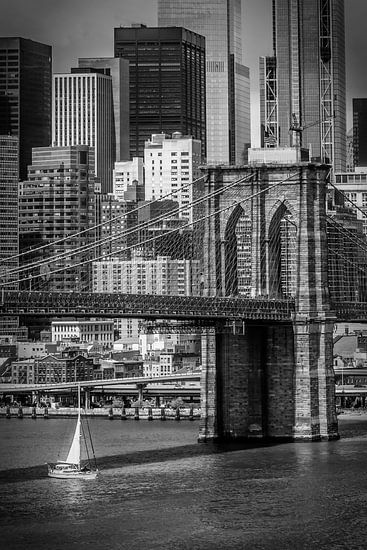 NEW YORK CITY, Brooklyn Bridge En Lower Manhattan | zwart-wit van Melanie Viola