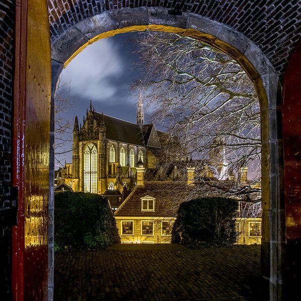 Hooglandse kerk in Leiden in de avond. van Dirk van Egmond
