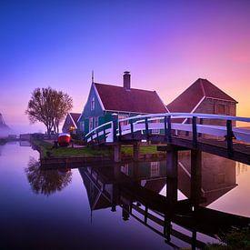Huisje met bruggetje op de Zaanse Schans van Peter de Jong