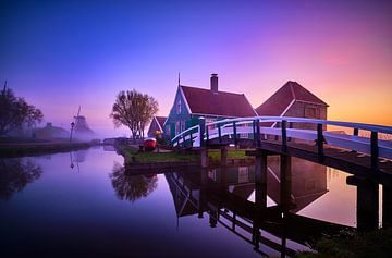Ferienhaus mit Brücke auf der Zaanse Schans von Peter de Jong