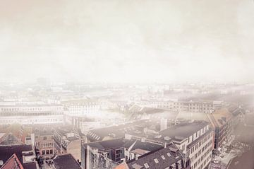 Kopenhagen in de mist 2 van Elianne van Turennout