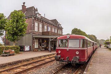 De Railbus op het Station van Simpelveld van John Kreukniet