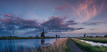 Kinderdijk - Blue hour von Jolanda Wisselo