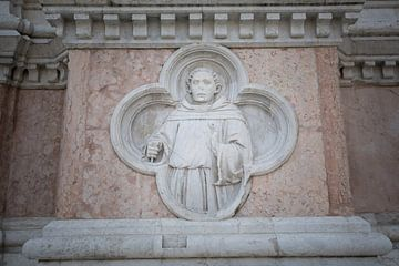 Détail Basilique de San Petronio au centre de Bologne sur Joost Adriaanse