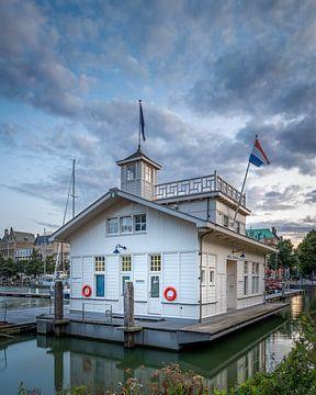 Fährhafen in Rotterdam von Annette Roijaards