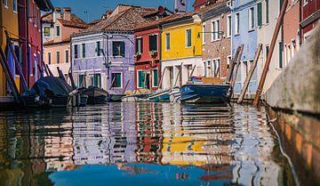 Belles maisons colorées à Venise (Burano) sur Klif Wiepkema