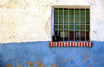 Rood Wit Blauw venster van Sigrid Klop