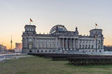 Reichstag Berlin am Morgen van