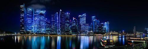 Singapore Skyline van Thomas Froemmel