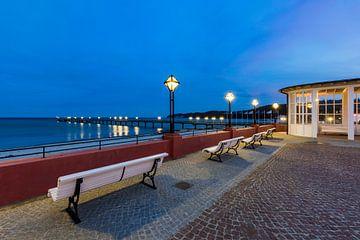 Badplaats Binz op het eiland Rügen in de avonduren van Werner Dieterich
