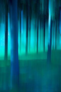 Abstrakte Bäume in blau und grün. von