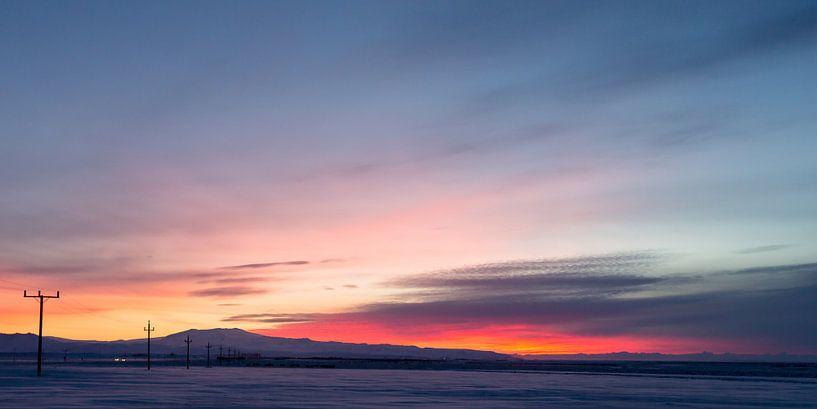 Zonsopkomst IJsland in de winter van Menno Schaefer