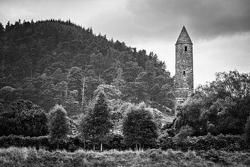 Glendalough in zwart-wit, Ierland van Henk Meijer Photography
