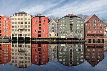 Bunte Kontorhäuser in Trondheim, Norwegen. von Iris Heuer