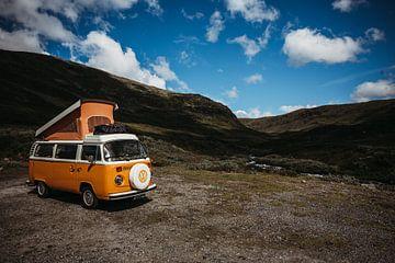 VWbusje in Noorwegen van Meral Soydas