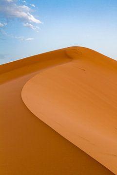 Hoge duin in Erg Chebbi, Sahara van Easycopters