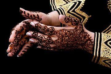 Net gezette henna tatoeage op handen