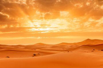 Erg Chebbi, zandduinen bij zonsondergang, Marokko, van Markus Lange