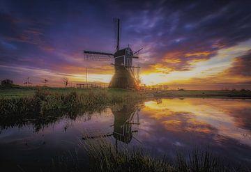 Munnikenmolen Sonnenaufgangsreflexion.. von EricsonVizcondePhotography