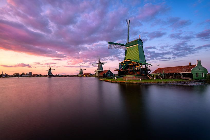 Sunsetting by the Zaanse Schans van Costas Ganasos