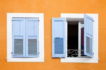 Kleurrijk venster in Frankrijk Ardèche sur Jean-Paul Wagemakers