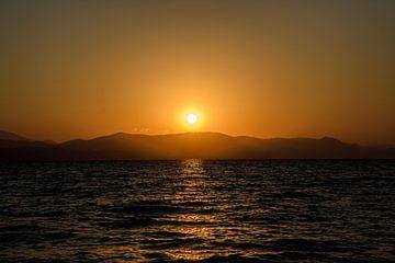 Zonsopkomst op Corfu, Griekenland van Michelle van den Boom