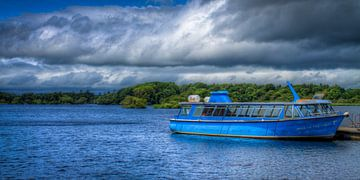 Boat on Lough Leane, Killarney National Park, Ireland van Colin van der Bel