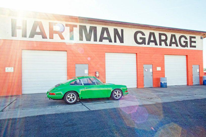Garage Hartman - Weidenfedern Porsche von Maurice van den Tillaard