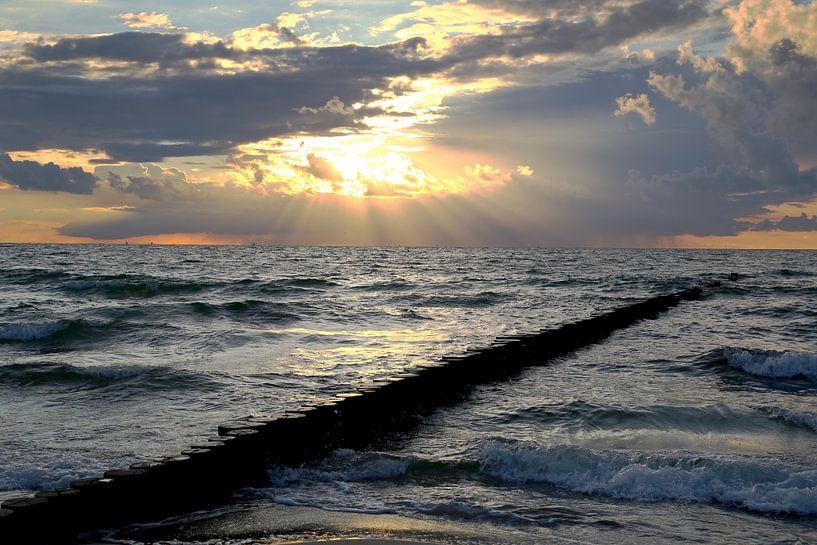 Ostsee  im  Abendlicht von Ursula Reins