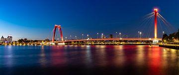 Willemsbrug à Rotterdam le soir sur Pieter van Dieren (pidi.photo)