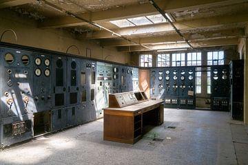 Salle de contrôle abandonnée. sur Roman Robroek