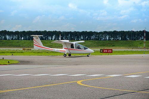 Sportvliegtuig op Airport lelystad