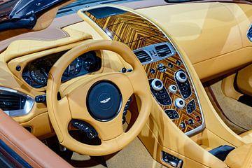 Aston Martin Vanquish Volante Cabrio-Sportwagen mit Innenausstattung von Sjoerd van der Wal