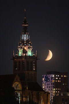 Sint-Stevenskerk met wassende Maan van Jeroen Lagerwerf