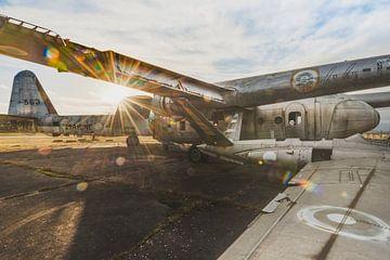 Flugzeuge in der Sonne von Perry Wiertz