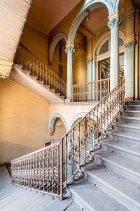 Schöne verlassene Treppe.