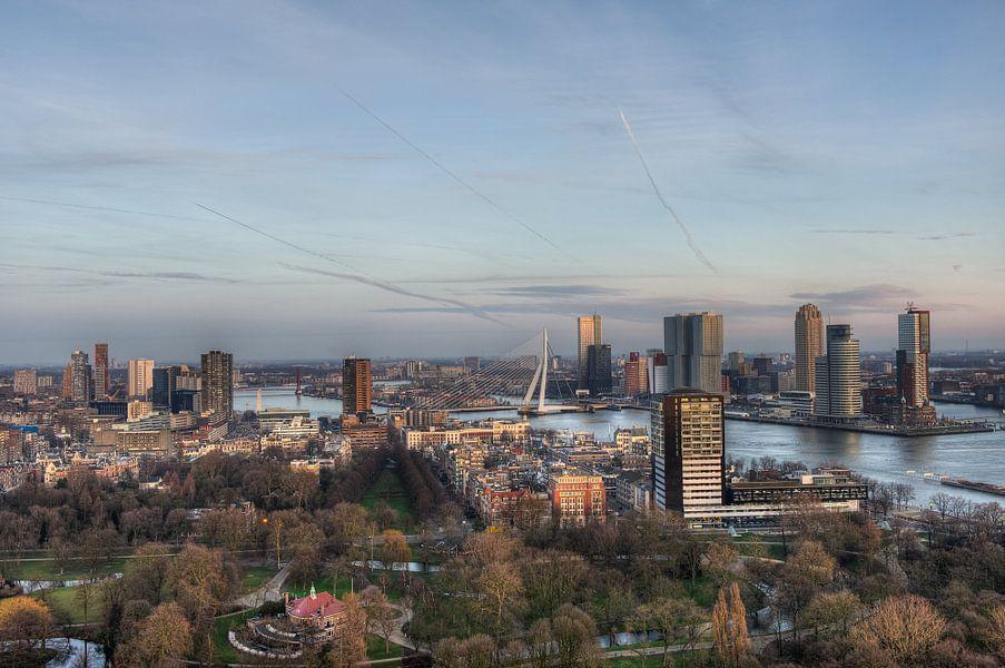 Rotterdam gezien vanaf de Euromast van Esther Seijmonsbergen