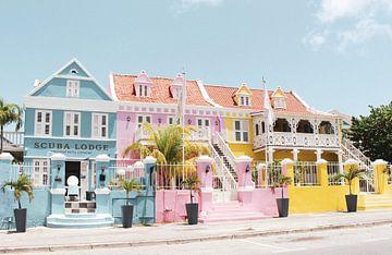 Farbige Häuser Scuba Lodge in Pietermaai von yourtravelreporter