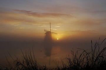Mistige zonsopkomst von G. de Wit