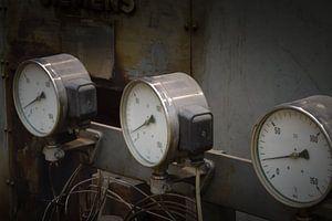 Mooie close up van oude meters op een machine