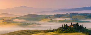 Podere Belvedere in morning light