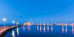 De haven van Mandraki op het eiland Rhodos in Griekenland
